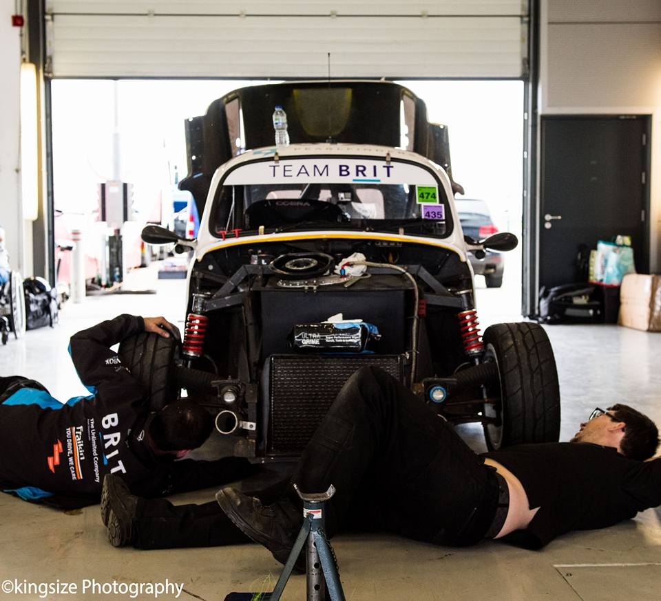 Image car in garage